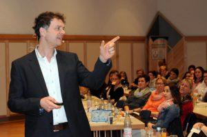 Dr. Volker Busch beim Bübchen Hebammenkongress